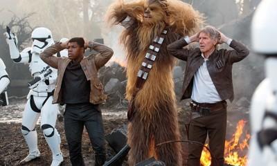 Star Wars The Force Awakens-boyega-chewbacca-ford-8