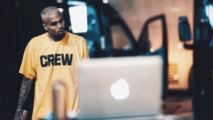 Chris Brown Punches Photographer in Nightclub