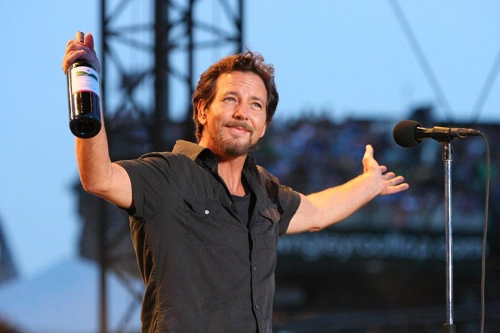 Twitter's Freaking OUT: Keep Peal Jam's Eddie Vedder Safe