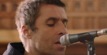 Liam Gallagher Misses Noel; He Wants to 'Hug it Out'