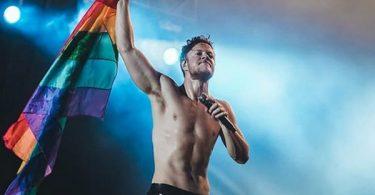 Imagine Dragons Frontman SHREDS Eminem over Gay Slur