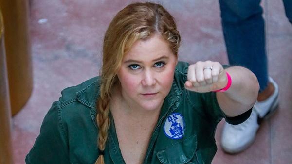 Amy Schumer + Emily Ratajkowski Arrested at Kavanaugh Protest