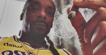 """Snoop Dogg Calls Kanye West an """"Uncle Tom"""""""
