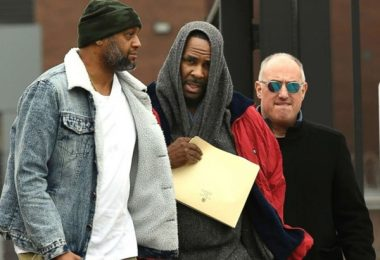 R. Kelly Accuser Hits Major Roadblock Serving Kellz