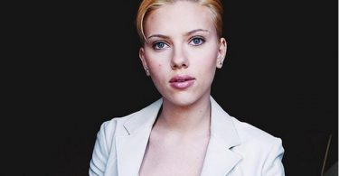 "Scarlett Johansson SLAMS Paparazzi for ""Dangerously Stalking"""