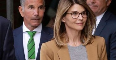 "Lori Loughlin ""Ignorance"" May Help Get Not Guilty Plea"