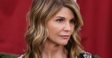 Lori Loughlin Daughters Upset Over Moms Not Guilty Plea