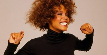 Whitney Houston's Friend Robyn Crawford Opens Lesbian Relationship
