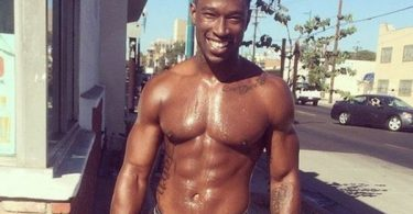 Kevin McCall Takes L In Court; Shares Lullaby with Daughter
