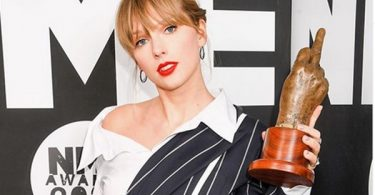 Taylor Swift Lashes Out At Big Machine Records