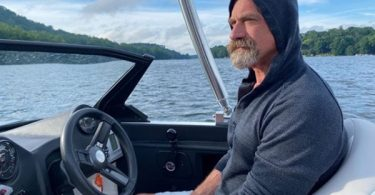 """DILF ALERT: Christopher Meloni Is """"Sexy AF"""""""
