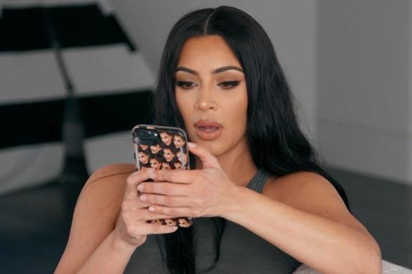 Kanye West Apologizes To Wife Kim Kardashian West