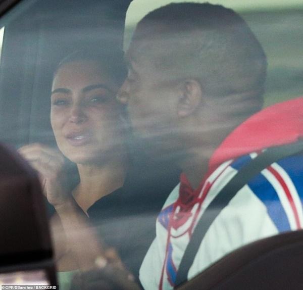 Kim Kardashian Crying From Kanye West YELLING