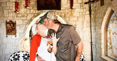 Blake Shelton and Gwen Stefani Are Engaged