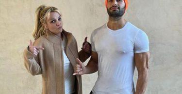 Sam Asghari Calls Britney Spears' Dad a 'Total D–k'