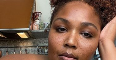 Lizzo Posts Nude Selfie To Embrace Natural Beauty