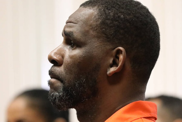 R. Kelly Lawyers Ask To Be Removed From Case